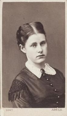 Archduchess Mathilda of Austria (25 Jan 1849 - 6 Jun 1867) - She was the second daughter of Archduke Albert, Duke of Teschen and Princess Hildegard of Bavaria. She died at the age of 18. Before leaving a theatre one night, she wanted to smoke a cigarette. Her father (who had forbidden her to smoke) approached her. She hid the cigarette behind her gauze dress, immediately setting light to the flammable material. She sustained 2nd and 3rd degree burns. Her death was witnessed by her entire…