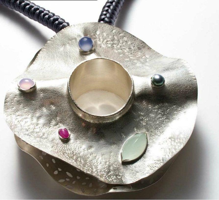 """Lynn Légaré - detail of the pendant necklace """"eau trouble"""" - EXPO Aaron Gallery"""