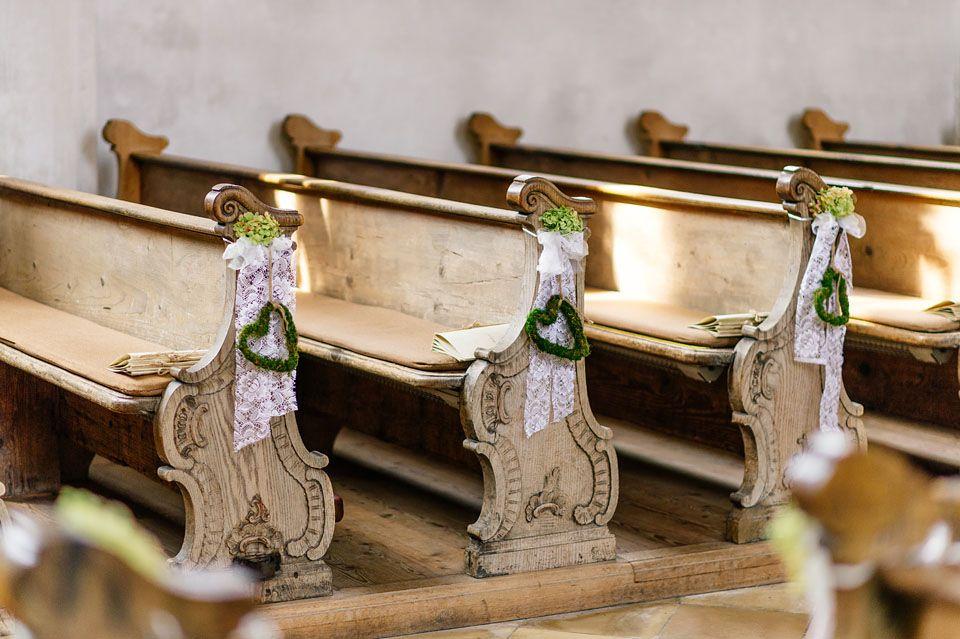 """Katrin & Bene's rustikal inspiriertes Hochzeitsfest Photography: Martina Rinke Flowers: Ulrike Abinger """"Die Blume"""""""