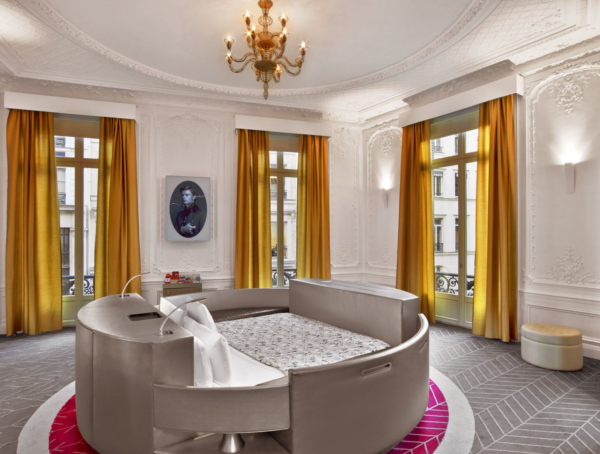 Round Bed And Colorful D At The W Hotel Paris Opera