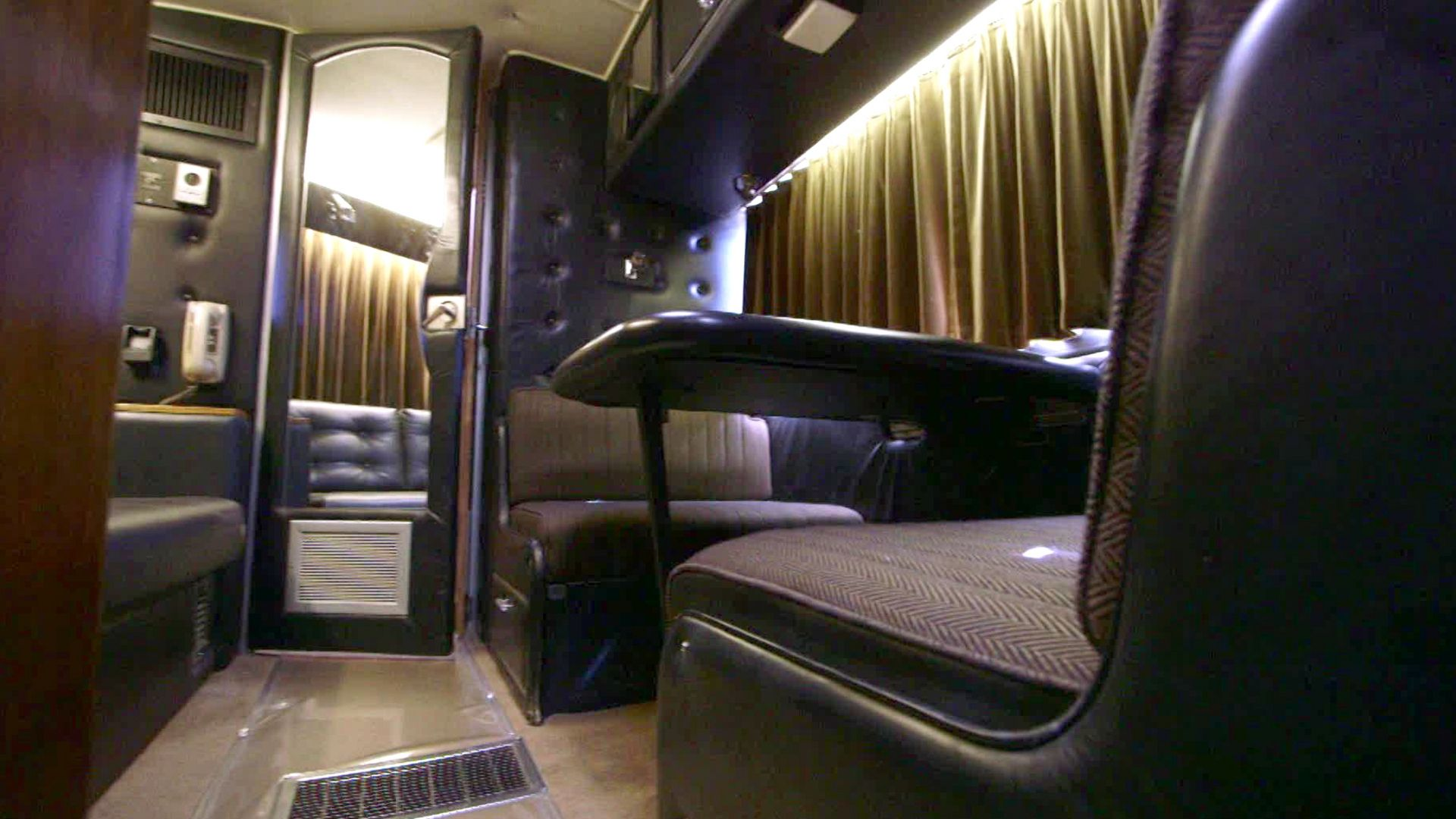 Justin Bieber Tour Bus Inside | Top Pictures Gallery Online