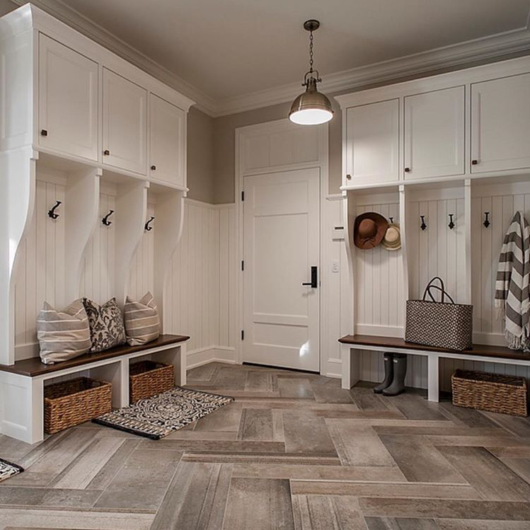 Interior Design Ideas For Home Theater: Mudroom By Hendel Homes