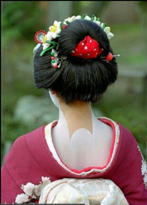 660885e68 Beautiful neck makeup | All things Japan | Geisha hair, Geisha ...