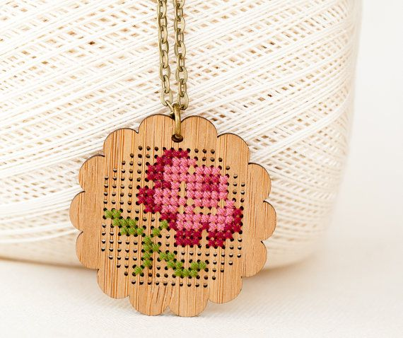 DIY Cross Stitch Necklace Kit - Bamboo with Antique Flower Pattern - Scalloped