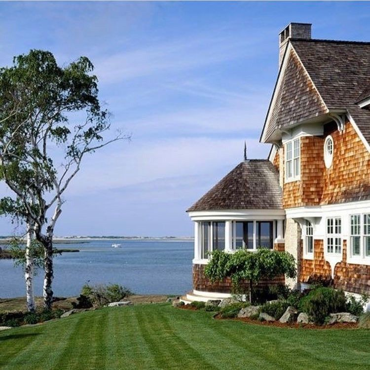 New England Home And Garden Newenglandhomeandgarden Instagram Photos And Videos New England Homes Hamptons House Beautiful Homes