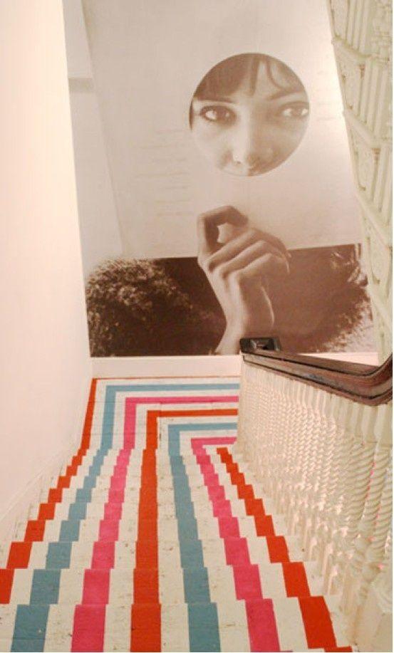 escalier peint 17 id es peinture escalier escaliers id e peinture et peindre. Black Bedroom Furniture Sets. Home Design Ideas
