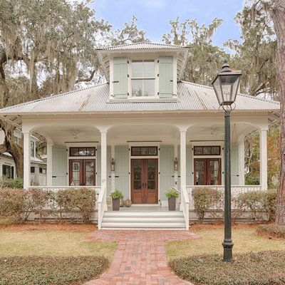 This Lowcountry Cottage In Palmetto Bluff South Carolina Was One Of Our Best Real Estate Buys Of The Year Cottage Exterior House Exterior Dream Home Design