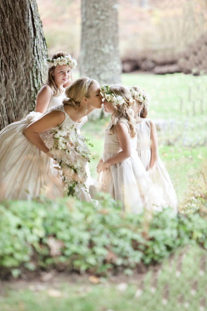 Cute wedding pictures bride and the flower girls deer pearl cute wedding pictures bride and the flower girls deer pearl flowers junglespirit Choice Image