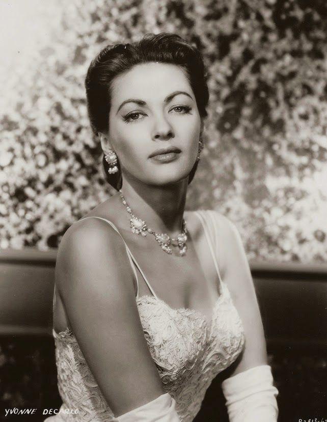 Yvonne De Carlo old