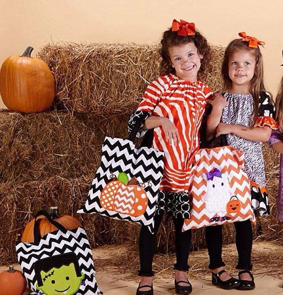 Halloween Trick or Treat bags  black and by DesignsbyMichelleL, $19.00