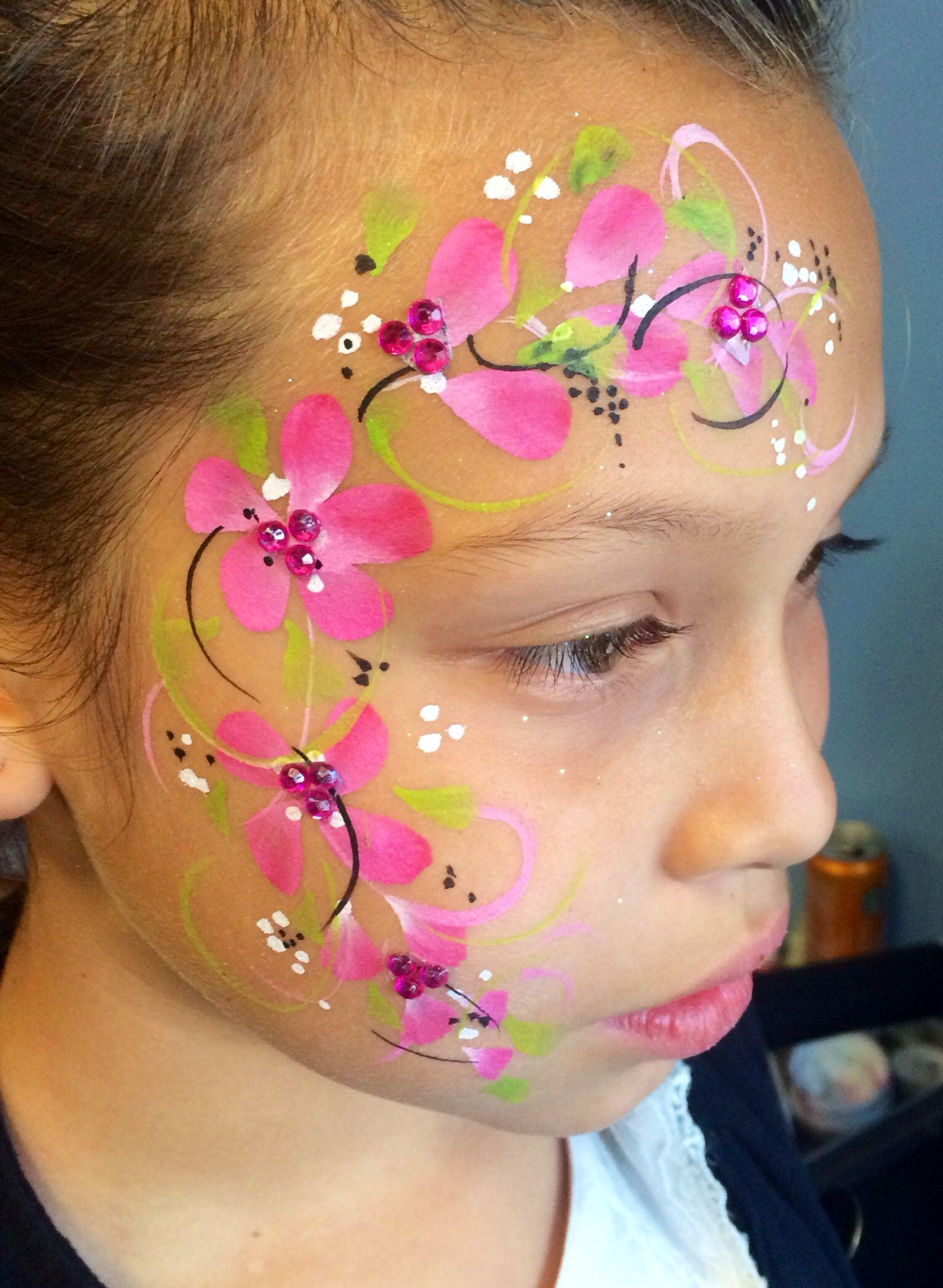 Face painting flowers | Face painting flowers, Girl face ...