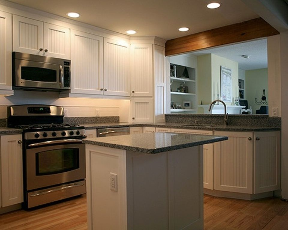 54 beautiful small kitchens design kitchens beams and stove for Small kitchen layout with island