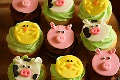 Cupcakes with fondant farm animal toppers