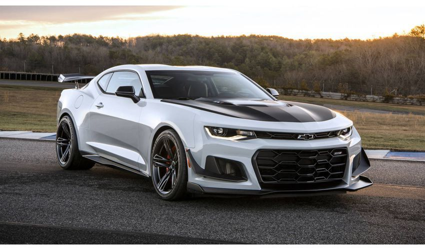 2018 Chevrolet Camaro Zl1 Price Horsepower And Specs Rumor Car Rumor Chevrolet Camaro Zl1 2018 Camaro Zl1 Chevy Camaro