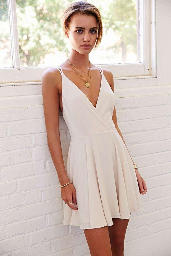 4cc66c58f5 2017 Simple V-neck Homecoming Dresses