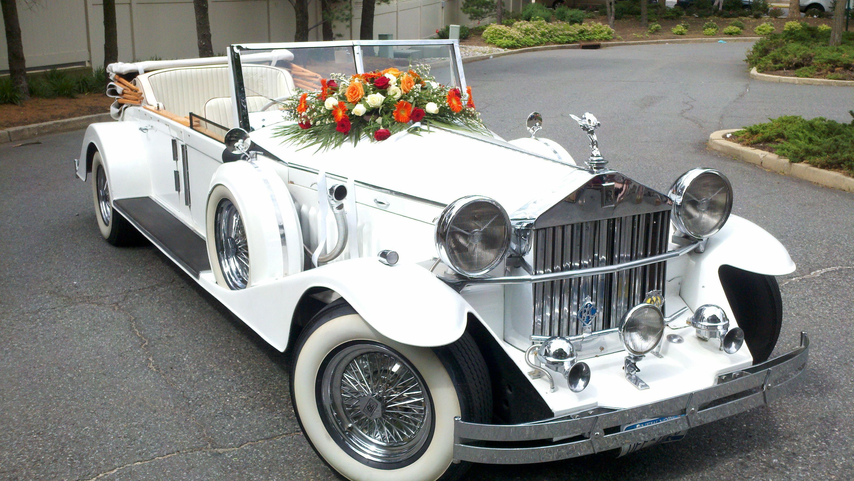 Vintage 1920 S Rolls Royce Phantom Limousine Perfect For Any Wedding Day Wedding Limousine Rolls Royce Limousine Rolls Royce Rolls Royce Phantom