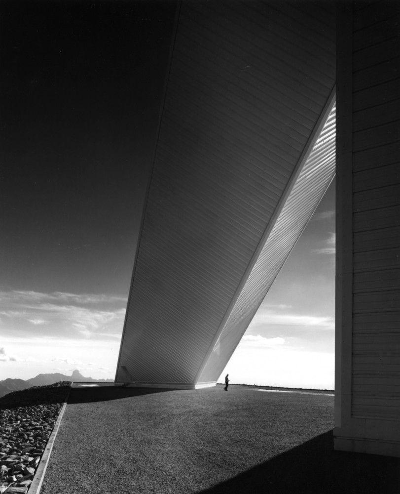 AD Classics: McMath-Pierce Solar Telescope, Kitt Peak National Observatory / SOM kitt_underneath2 – ArchDaily