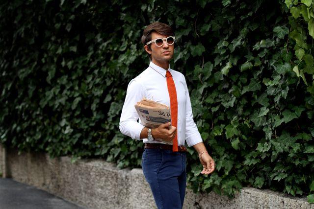 Giacca e camicia senza cravatta