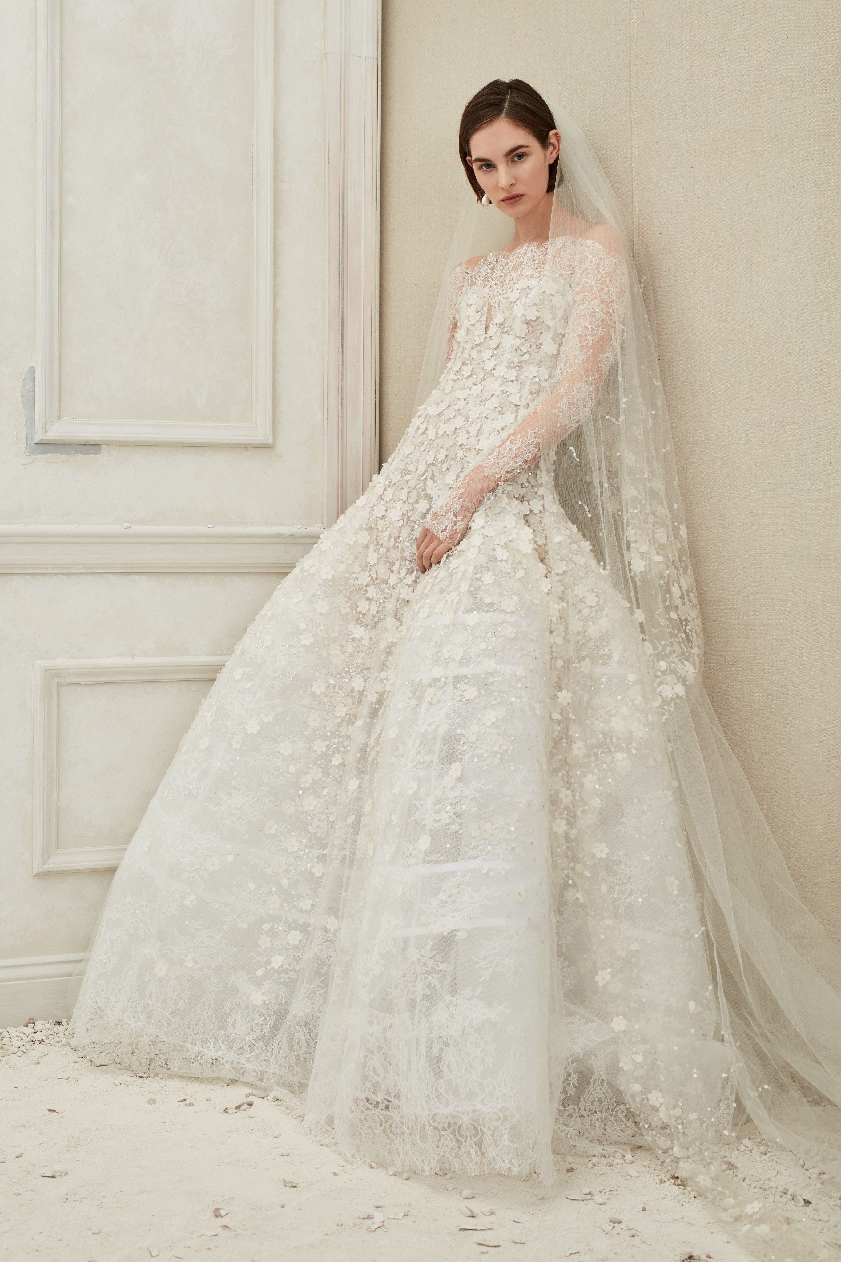 Oscar De La Renta Bridal Fall 2019 Fashion Show With Images Wedding Dress Couture Beautiful Wedding Dresses Wedding Dress Sleeves