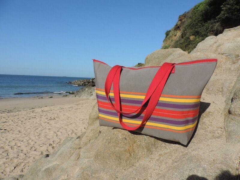 eb6a8b59f910bc sac de plage XXL avec fermeture éclair marron rayures multicolre ...
