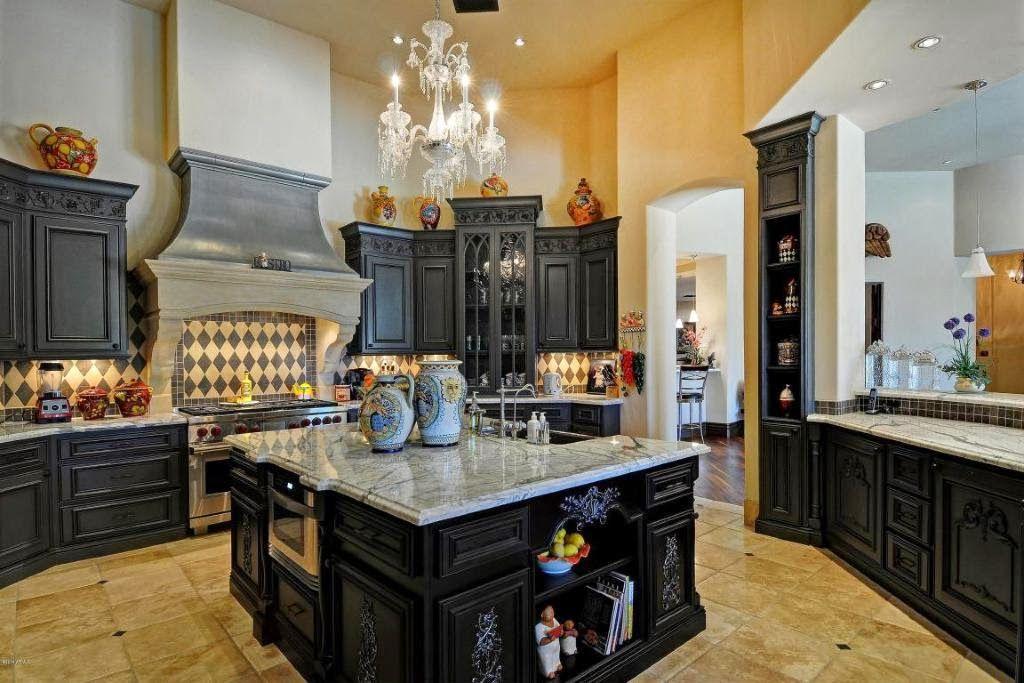 Tuscan style Estate Kitchen