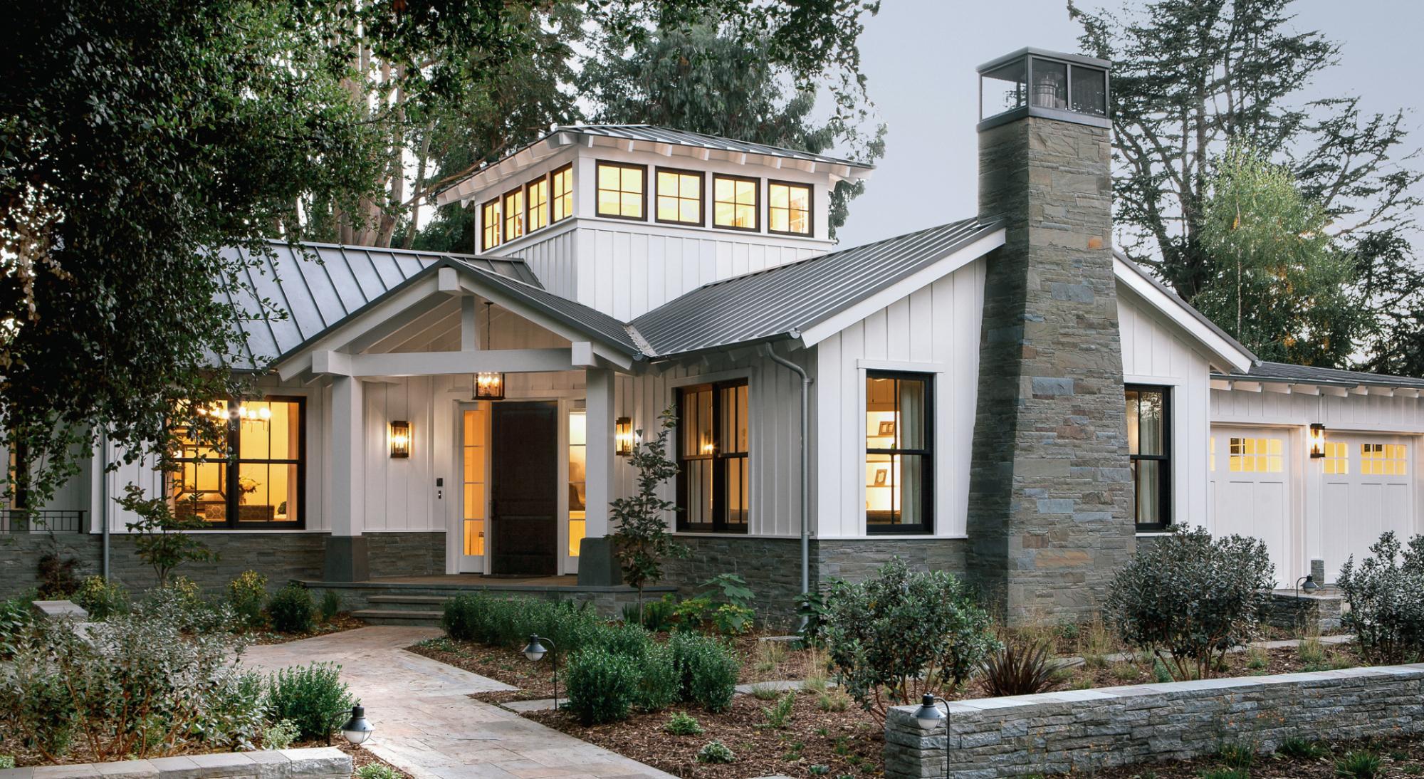 Exploring Farmhouse Style Home Exteriors