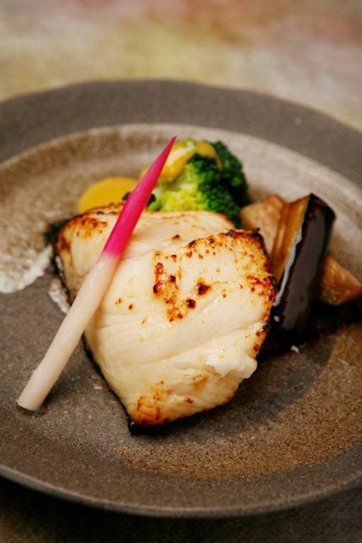 Gindara saikyo yaki grilled filet of black cod marinated for Captain d s grilled white fish filet