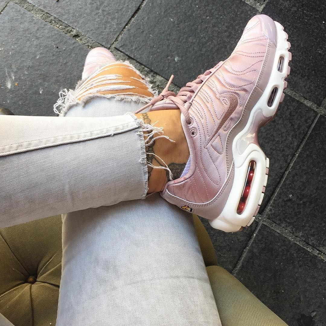 nike tn rose gold