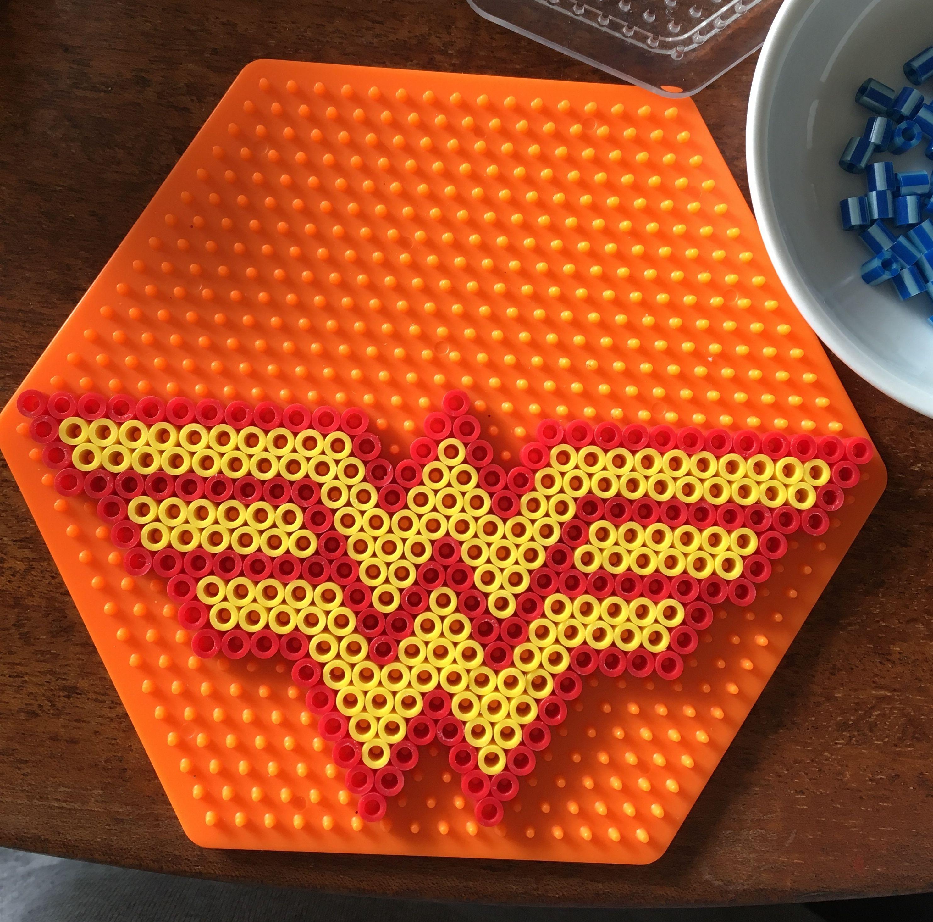 Perler WW Wonder Woman symbol logo pattern on hexagon