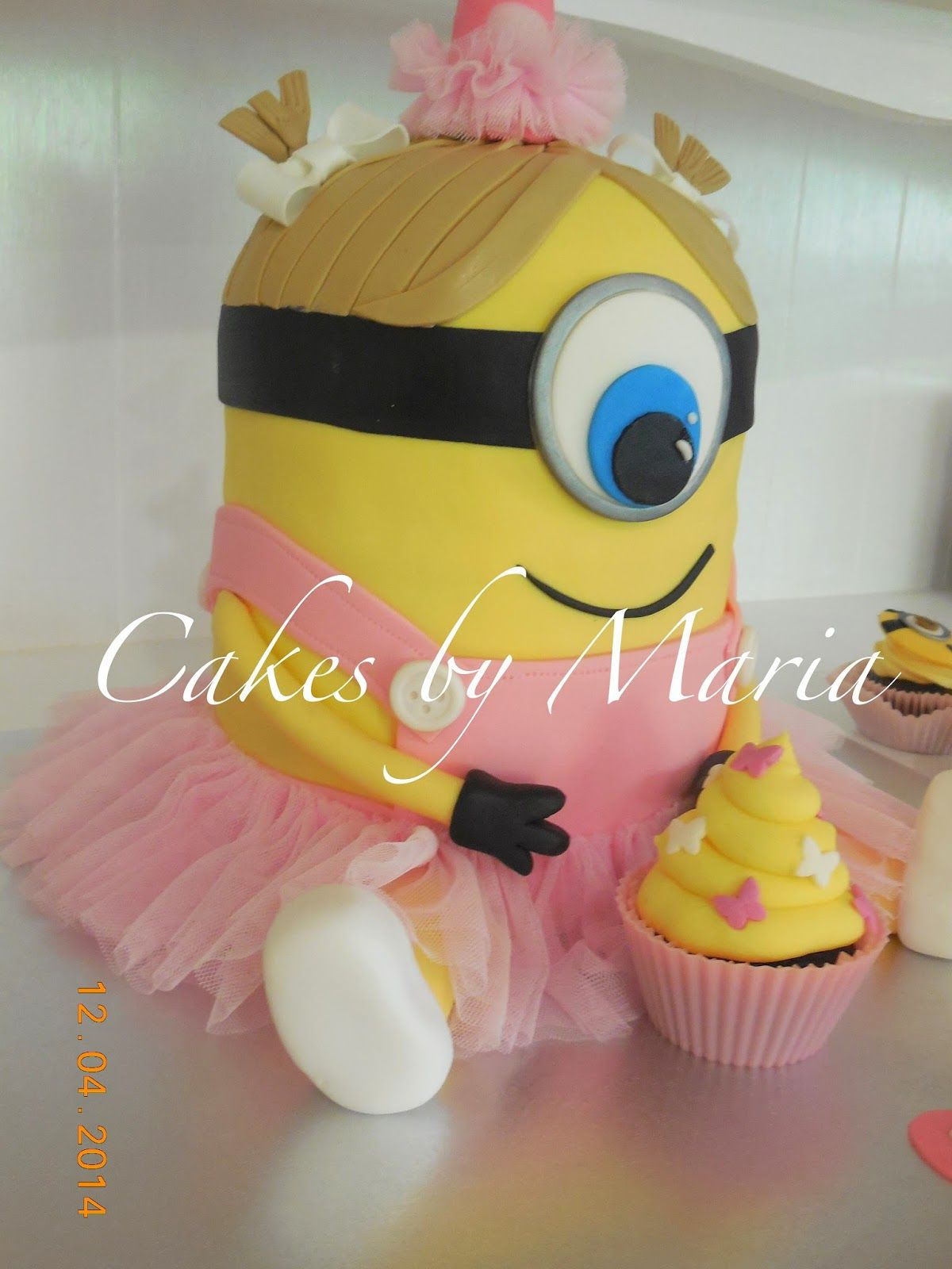 Ballerina minion posted by aussiemum at cake decorating