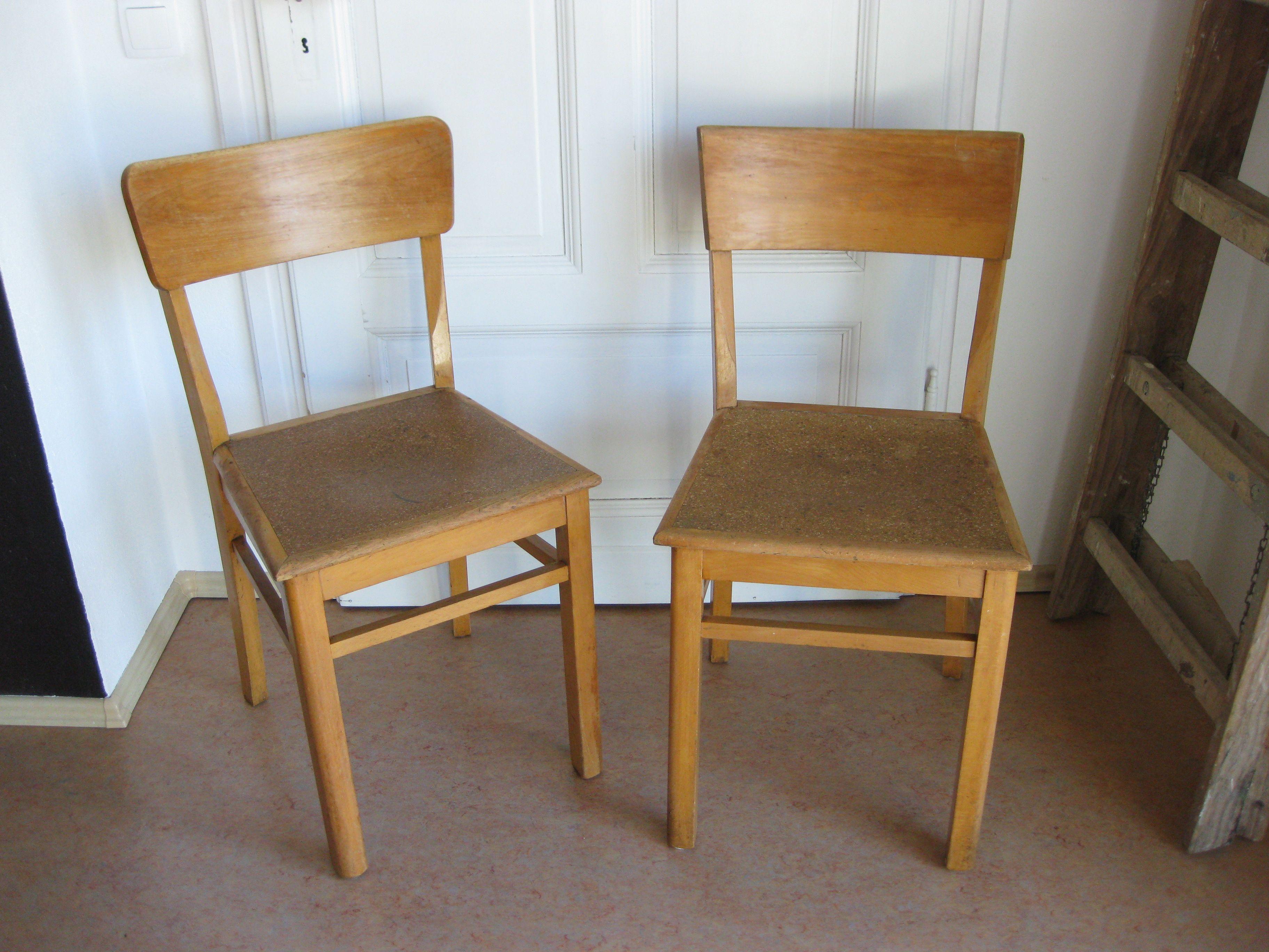 30er 40er Jahre Kuchenstuhle Mit Linoleum Sitzflache Holzstuhle Kuchenstuhle Stuhle