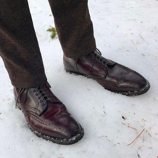 wdahab Still needing snow boots around here. #alden #color8 #shellcordovan #aldenboots #aldenarmy #wingtipboots #plazalast #commandosole #aldenshoes 2017/02/15 00:08:58