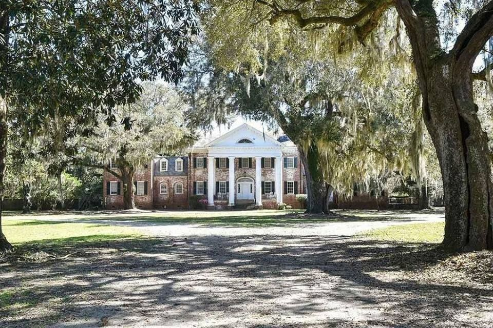 1932 Mansion In Walterboro South Carolina Abandoned Mansion For Sale Mansions Mansions For Sale