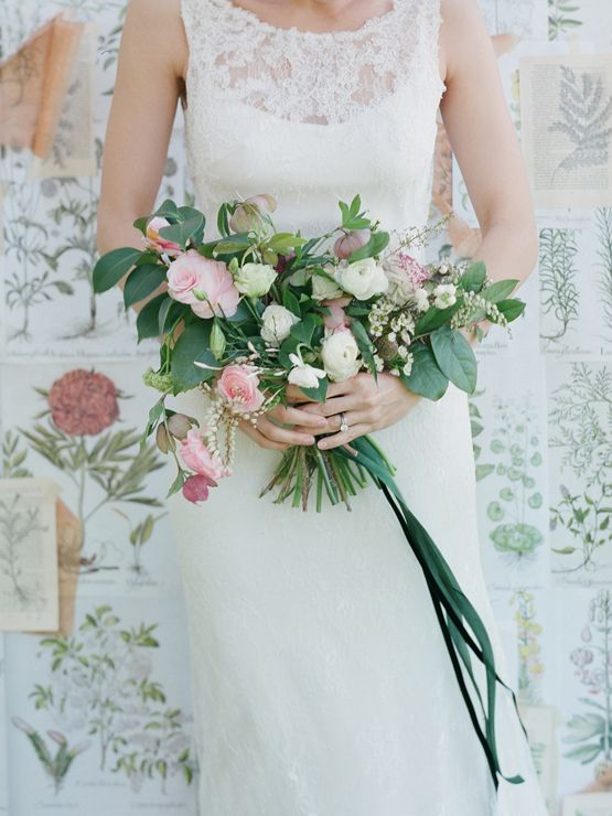BLUE EYED YONDER WALL + AMY OSABA FLORALS/PHOTO BY ELIZABETH MESSINA