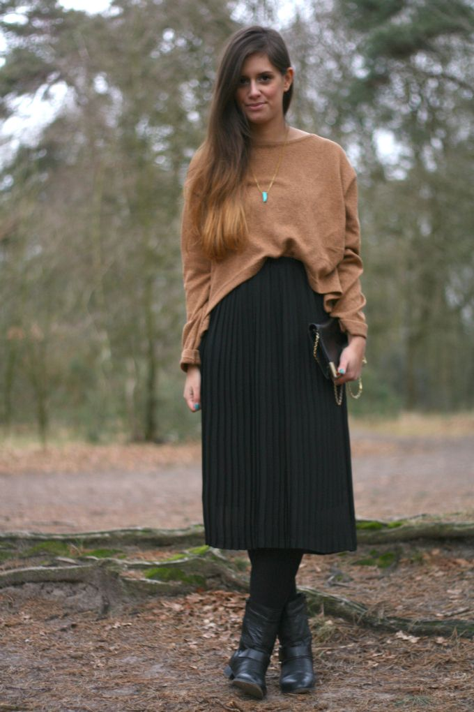 Black Pleated Midi Skirt Outfit | Jill Dress
