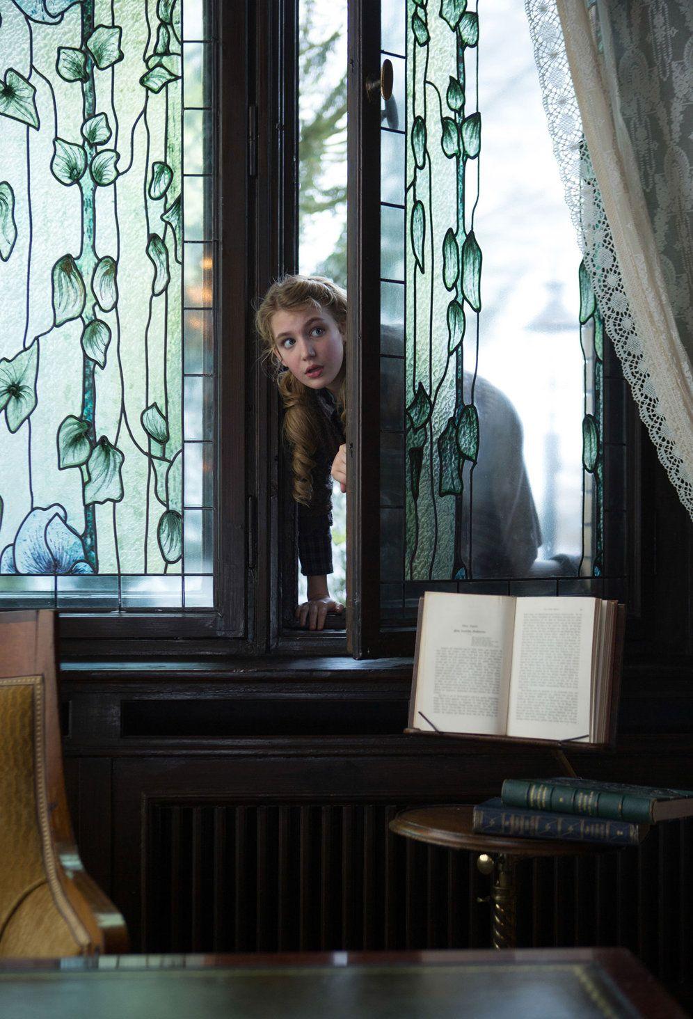 Sophie Nélisse, me encantaria tener una hijita asi, que le gustara leer