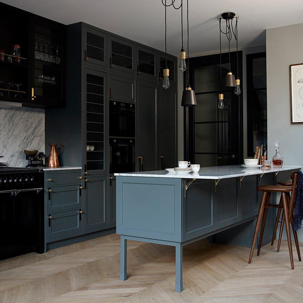 Pin von Angie Helm Interiors auf kitchen & dining | color ...