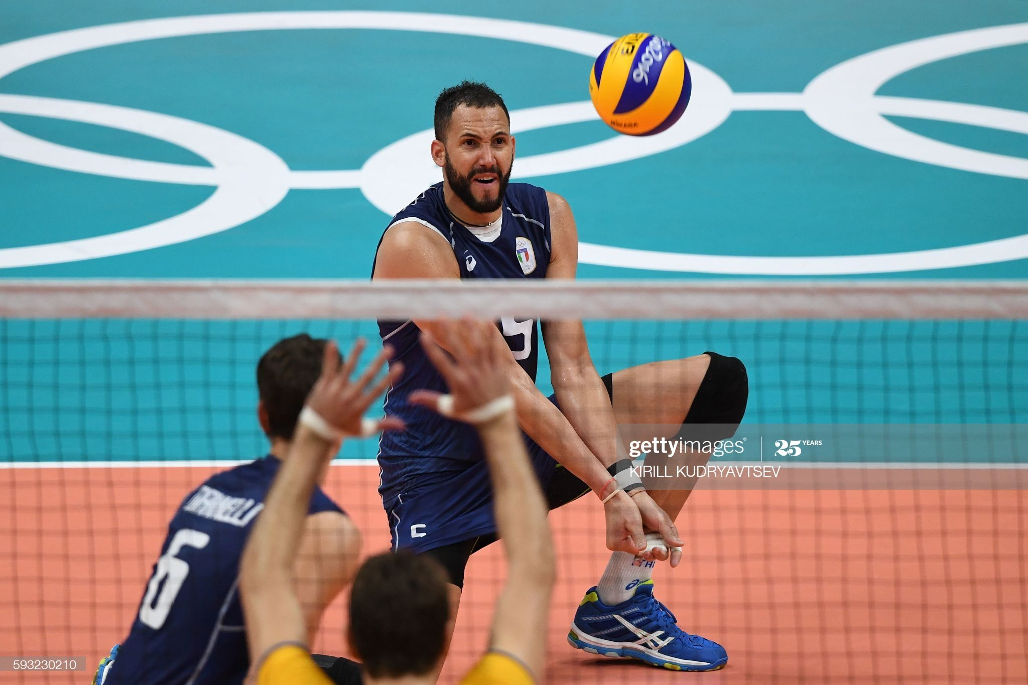 Italy S Osmany Juantorena Sets The Ball During The Men S Gold Medal Volleyball Match Between Italy And Brazi In 2020 Rio Olympics 2016 2016 Olympic Games Olympic Games