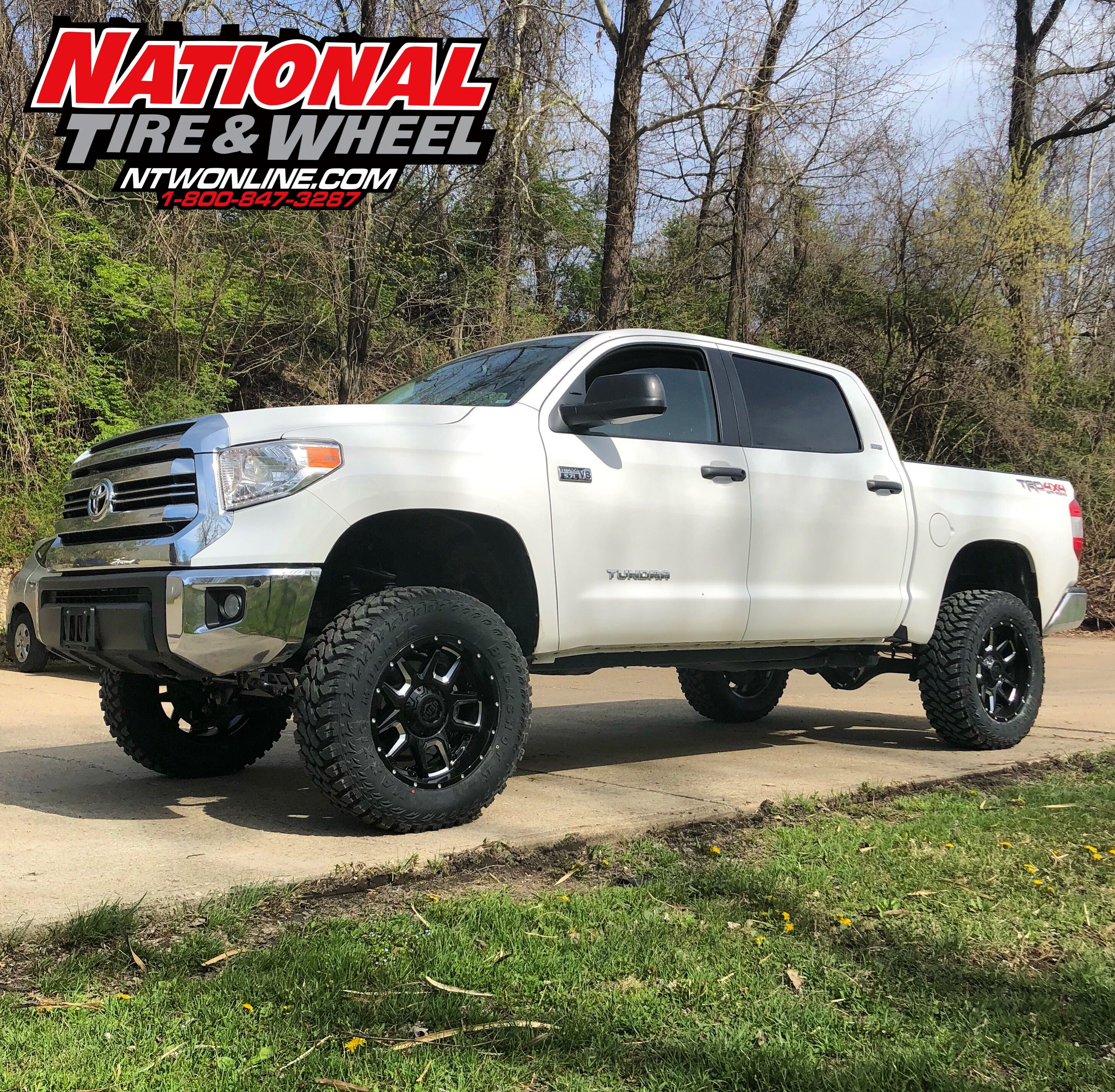 Ntw Install This Toyota Tundra Received A 6in Rough Country Lift Installation Suspension System 20x9 Gear Alloy Armor Wheels And Set Of 35x1250r20 Maxxis Buckshot