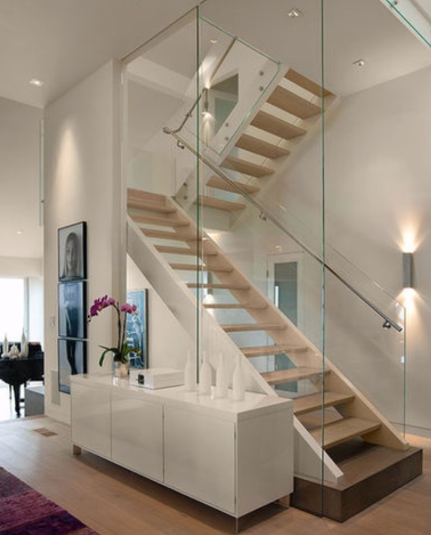 Weiße Holztreppe komplette weiße freie holztreppe mit glas stahl geländer traapen