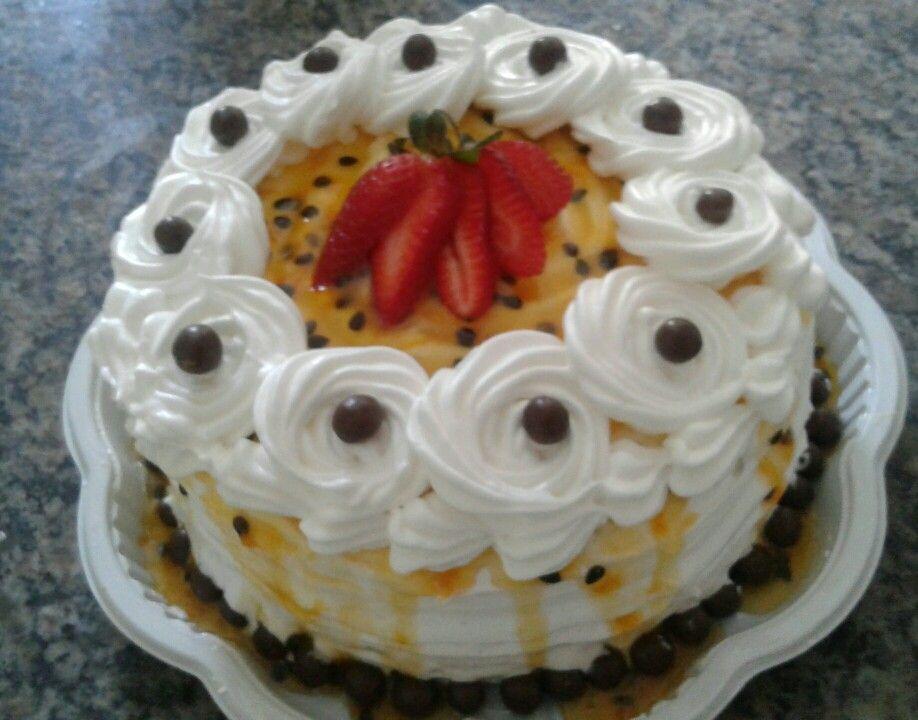 Naked cake de maracujá