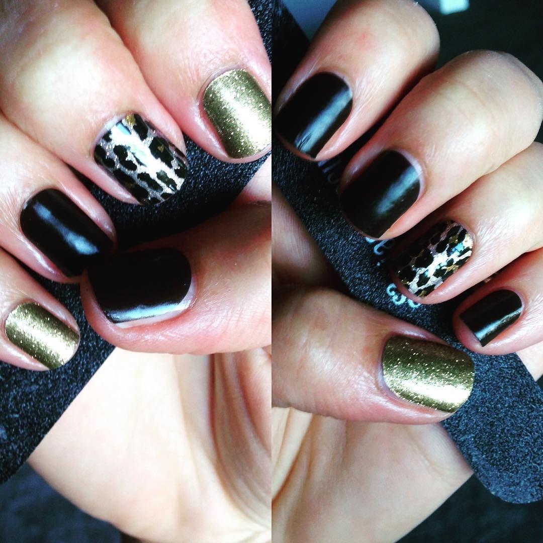 """My first offical #jamberry mani #jamminwithpennie #gildedleopardjn #goldsparklejn #matteblackjn"""