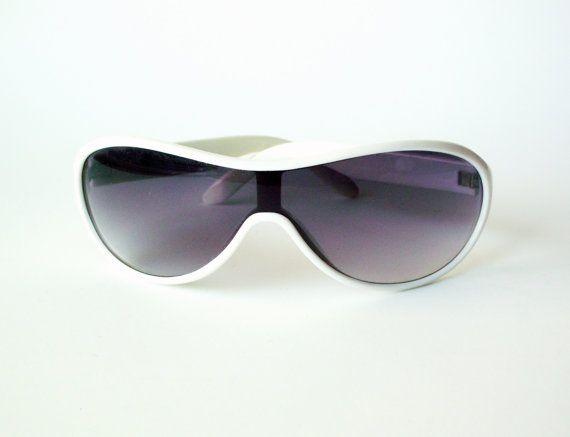1522d7f8a8617 Vintage Mod Wraparound Sunglasses