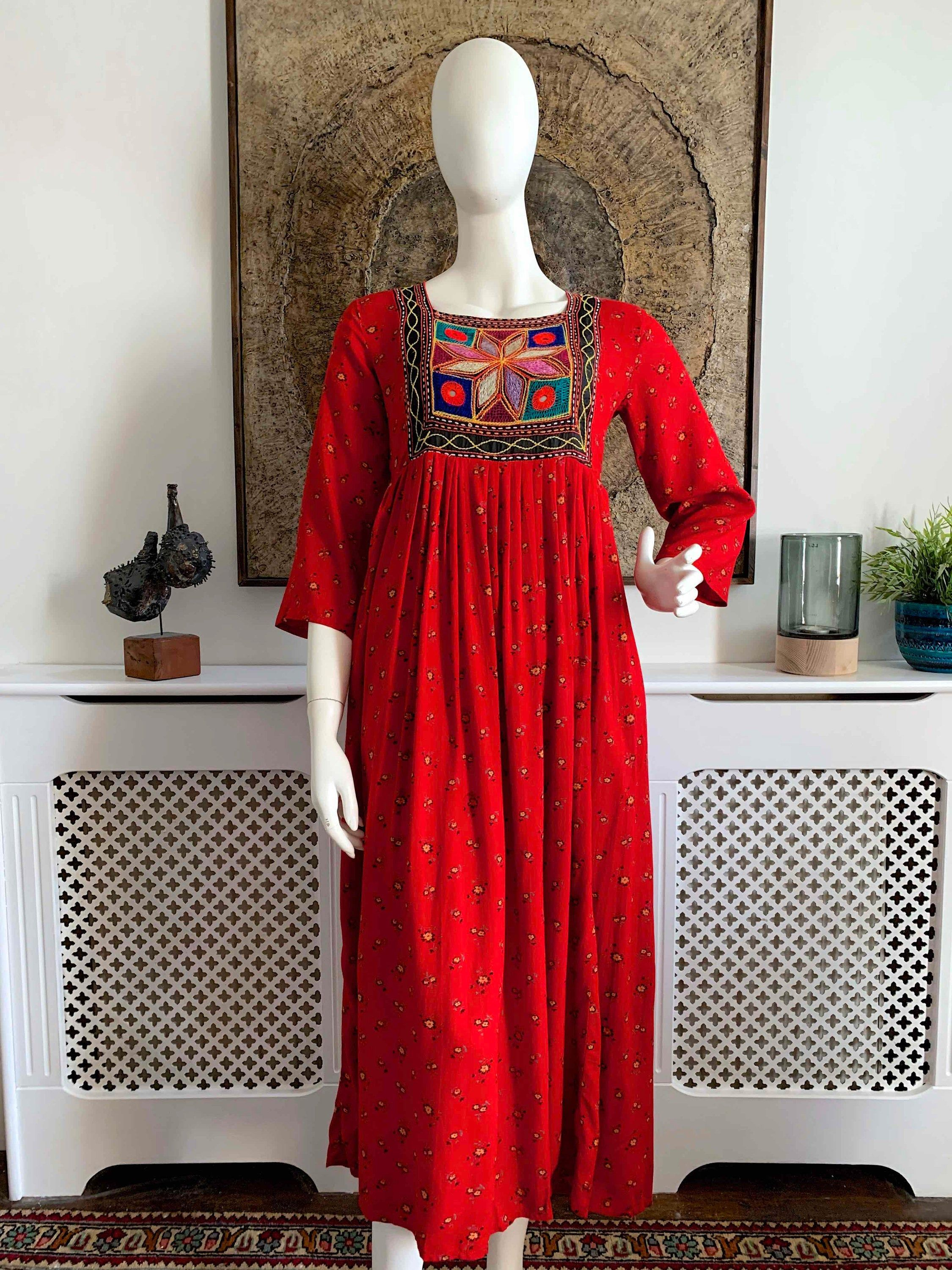 Red And Turquoise Embroidered Flowers ~ Vintage Hippie Boho ~ Great Condition 1970/'s Vintage Blouse ~ Black With Yellow