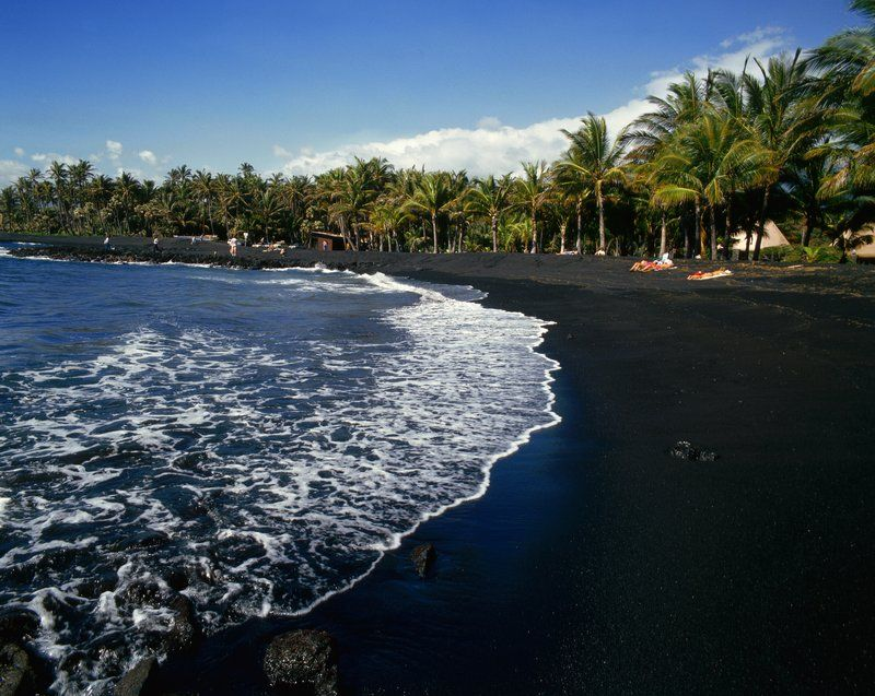 The world 39 s most colorful beaches black sand hawaii Black sand beach hawaii