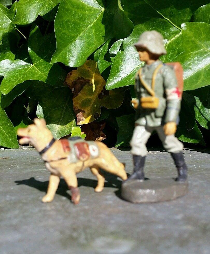Lineol Elastolin Sanitäter mit Hund Hundeführer Soldat 2.Weltkrieg 7cm,   eBay