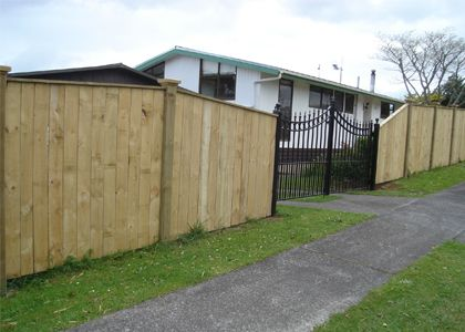 Supply & build of quality fences & retaining walls for the Waikato region. http://www.knowafence.nz.wb.gs/pool-fences-hamilton