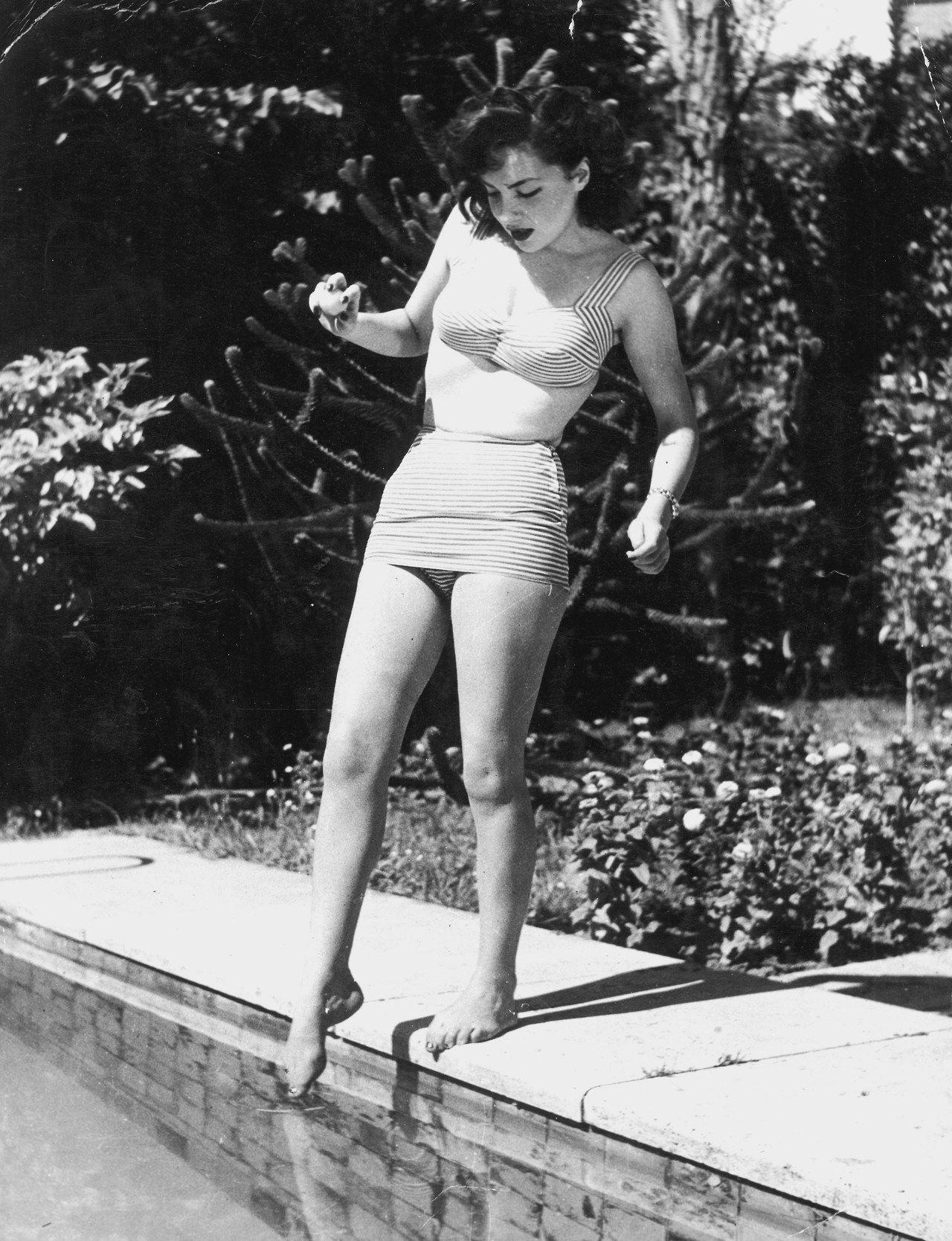 Gina Lollobrigida Young