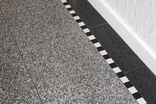 Granieten Vloer Badkamer : Terrazzo vloer keuken donker google zoeken vloer