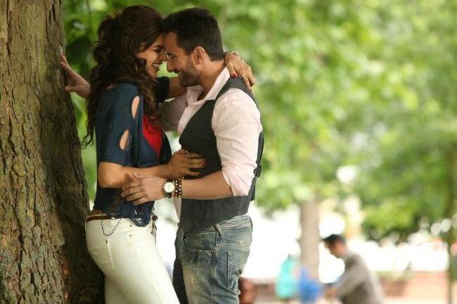 Cocktail Movie Stills With Saif Ali Khan Deepika Padukone And Diana Penty Cocktail Movie Deepika Padukone Girl Humor